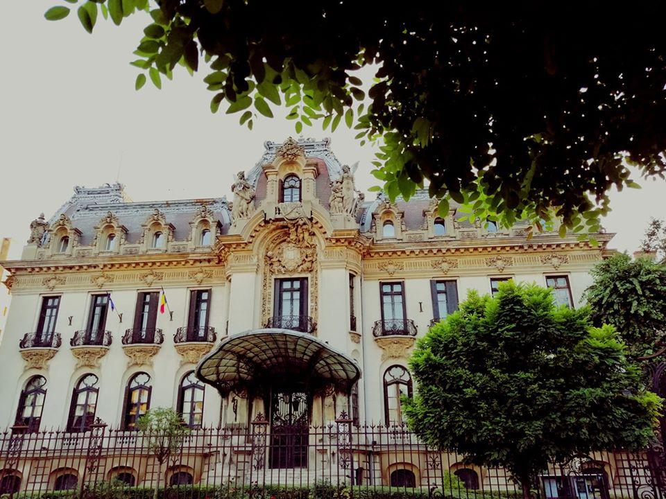 Palatul Cantacuzino, Calea Victoriei foto: București, frumos mai esti/ Facebook