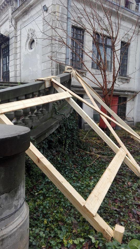 Scările casei memoriale George Enescu din București foto: Nela MN/ Facebook