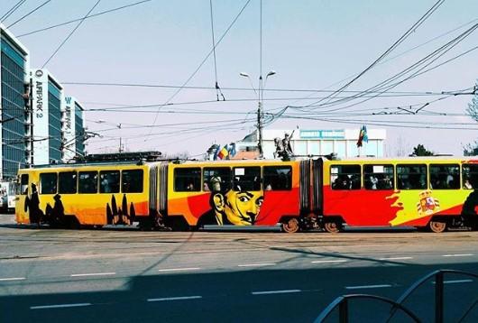 Tramvai pictat în parteneriat cu Ambasada Spaniei și STB. În imagine Salvador Dali. foto: Sweet Damage Crew