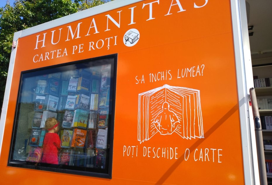 Cartea pe roți/ foto: Humanitas