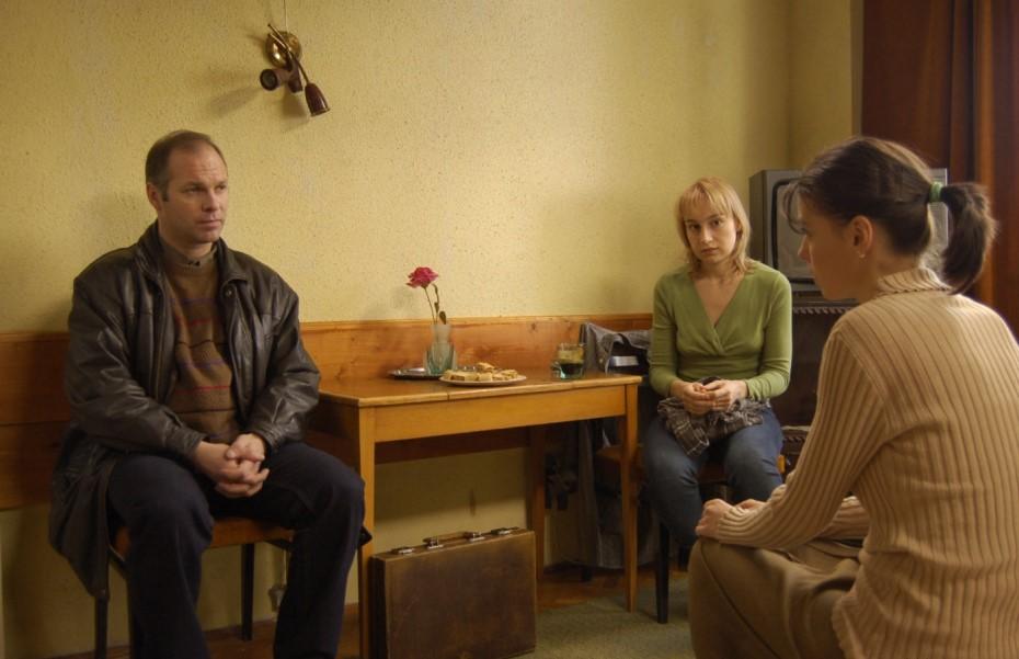 Vlad Ivanov, Anamaria Marinca și Laura Vasiliu în filmul 4,3,2/ foto: 4,3,2