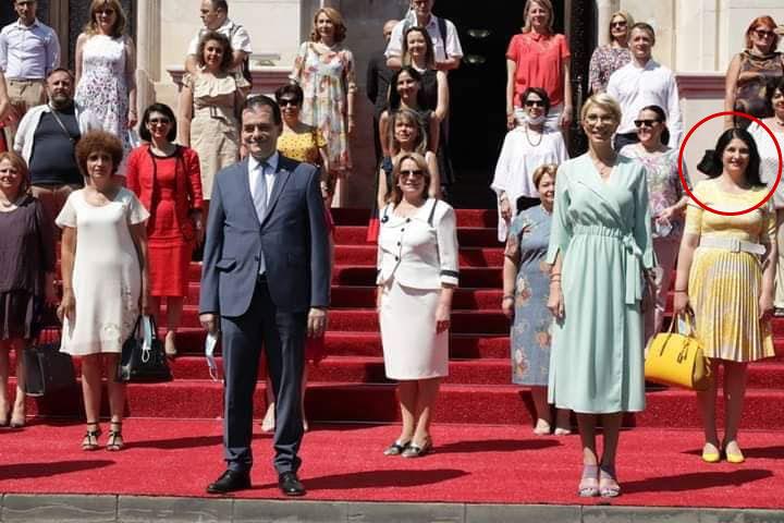 Liliana Toderiuc Ferdoca alături de liderii PNL/ foto: facebook