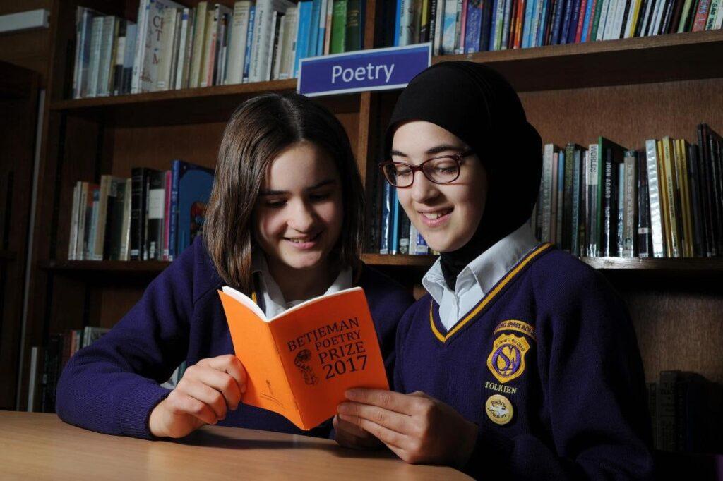 Jemima Webster și Amineh Abou Kerech, finalistele concursului