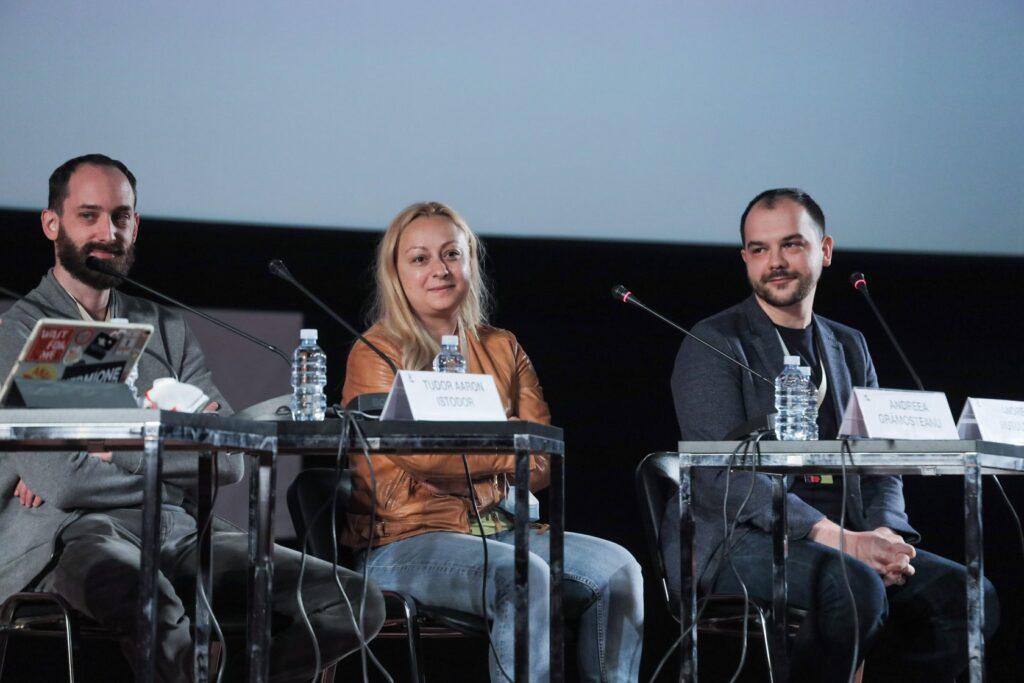 Andrei Huțuleac, Andreea Grămoșteanu și Tudor Aaron Istodor  la conferință de presă #dogpoopgirl