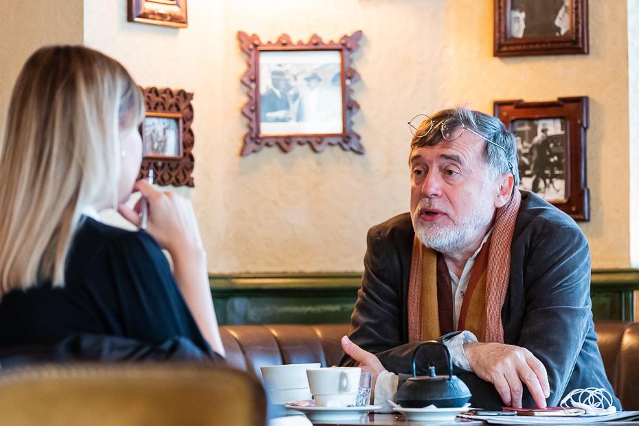 Alexandra Tănăsescu și Matei Vișniec/ foto: Bogdan Iordache/ Cultura la dubă